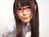 眼鏡を掛けた清純系の可愛い萌え系ナースのエッチな診察