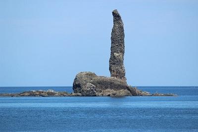 潮見 島泊漁港からの ローソク岩 08-19-13 028