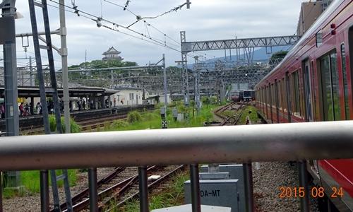 DSC02959小田原駅ホームからの小田原城