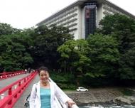 DSC02980湯元富士屋ホテルを背に記念撮影