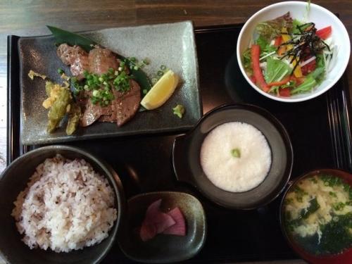2015-08-29牛タンの炭火焼き御膳