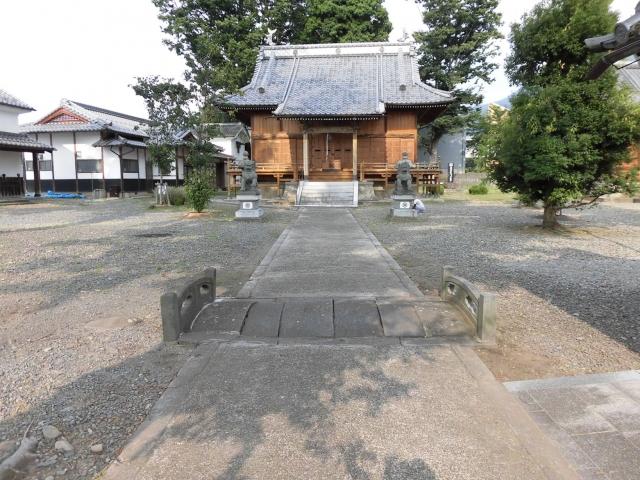 奥田神社の参道橋井