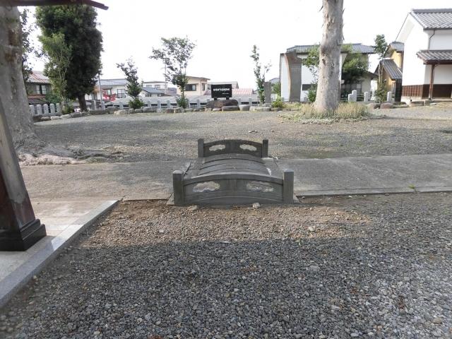 奥田神社の参道橋井 (3)