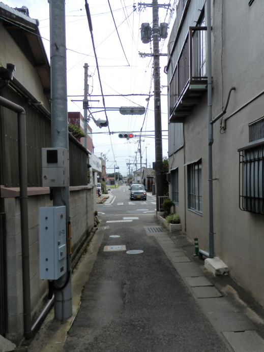 kurashikicitytsurajimachonishinouraheratorijinjabusstopsignal1509-11.jpg