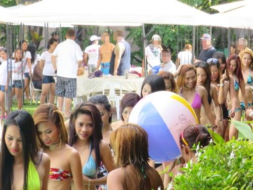 wolfpack poolparty101115 (2)