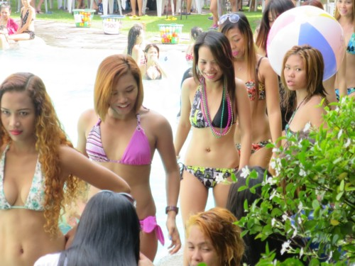 wolfpack poolparty101115 (4)