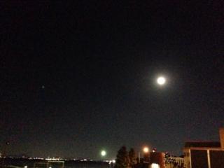 琵琶湖の月