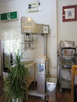 店内の製麺機