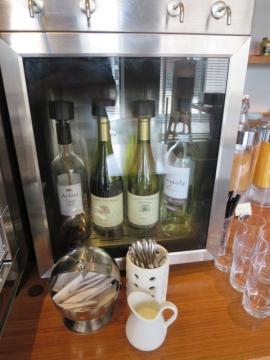 ワインは終日いただける