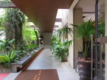 敷地内ホテル入口
