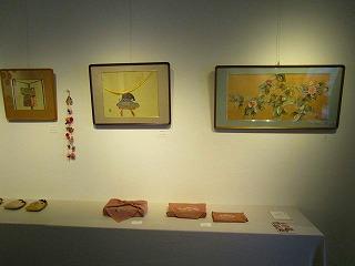 H27年絹を繍会展 004