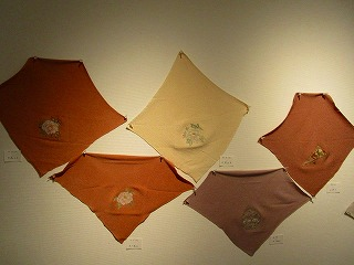 H27年絹を繍会展 013