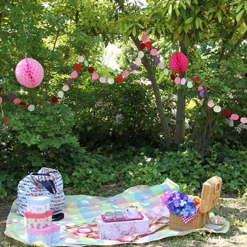 picnic-a.jpg