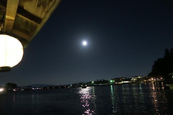 屋形舟からの月