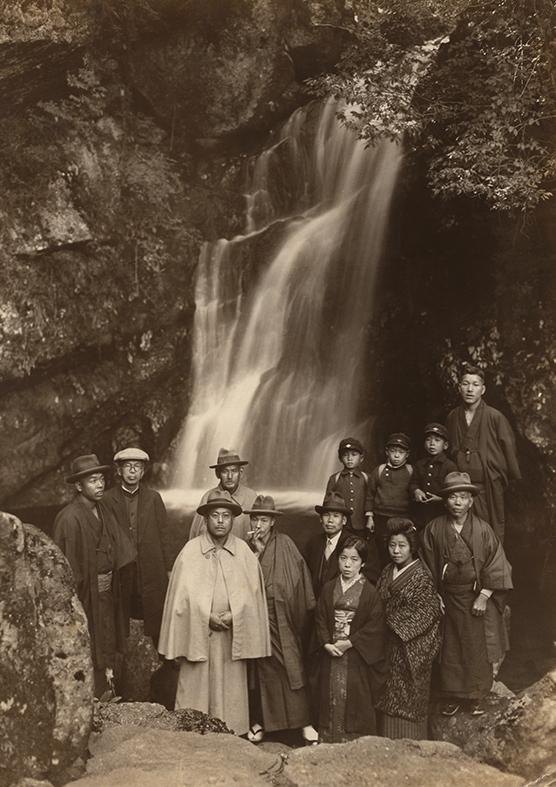 1930年(昭和5年)錦流の滝 中出兼次 .jpg