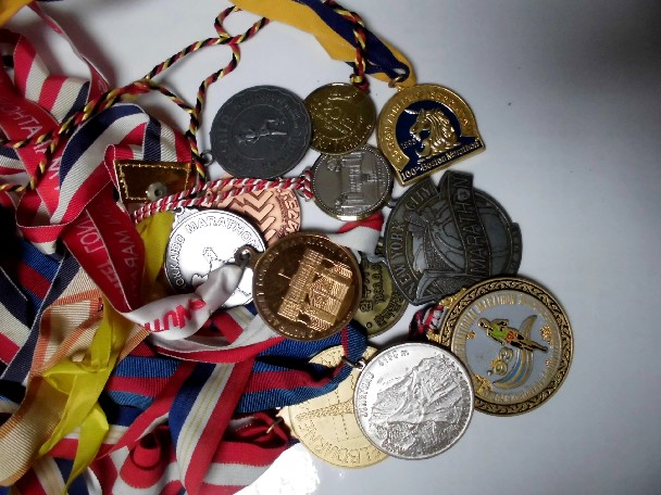 15.9.19ブログ用マラソンメダル (5)