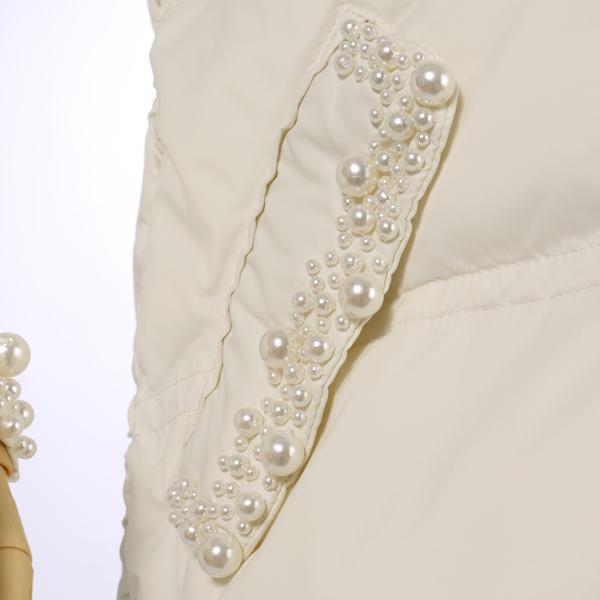 TWIN-SET・ツインセットのパール付きの可愛い綿入りホワイトコート