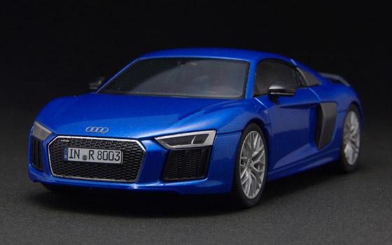 Audi R8 V10plus helpa