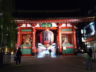 夜の浅草寺1