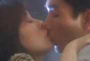 キスする君江