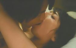 ディープ・キスする二人