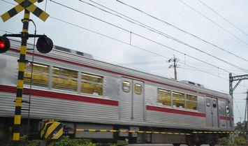 001電車