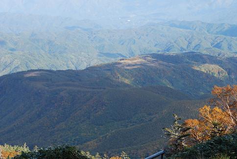 倉越え高原の遠景が