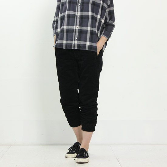 ONES STROKE (ワンズストローク) Slant Corduroy Cropped Pants