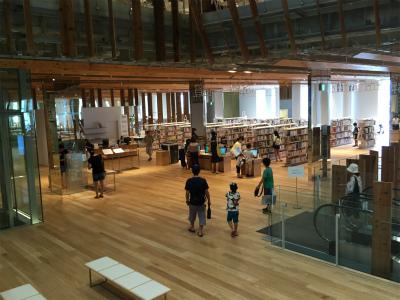 TOYAMAキラリ図書館2F