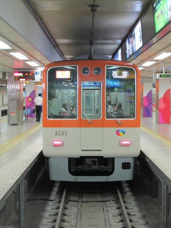 阪神梅田駅4