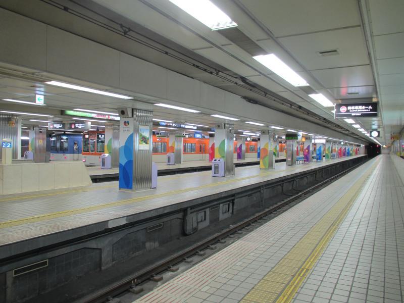 阪神梅田駅3