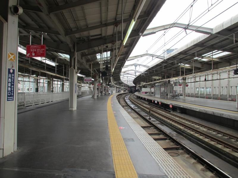 川西能勢口駅4