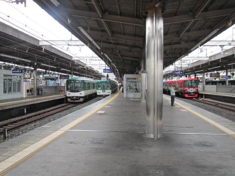 枚方市駅2