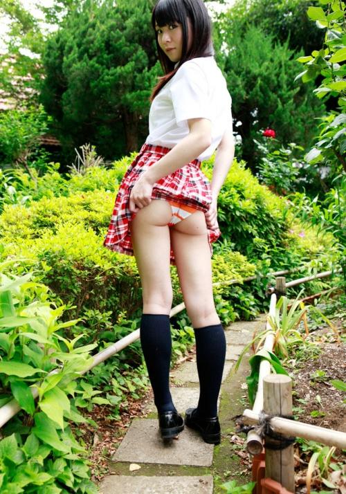スカートめくり コスプレ 制服 04