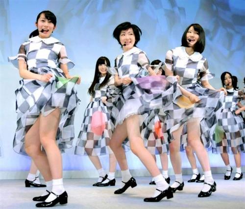 スカートめくり コスプレ 制服 11
