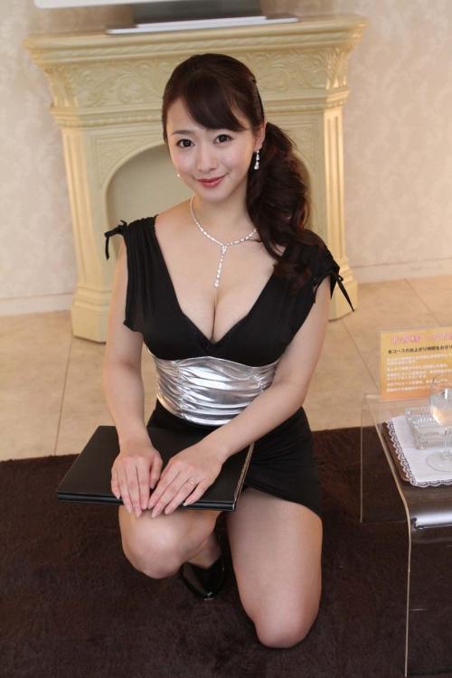 白石茉莉奈 Gカップ 人妻 AV女優 14