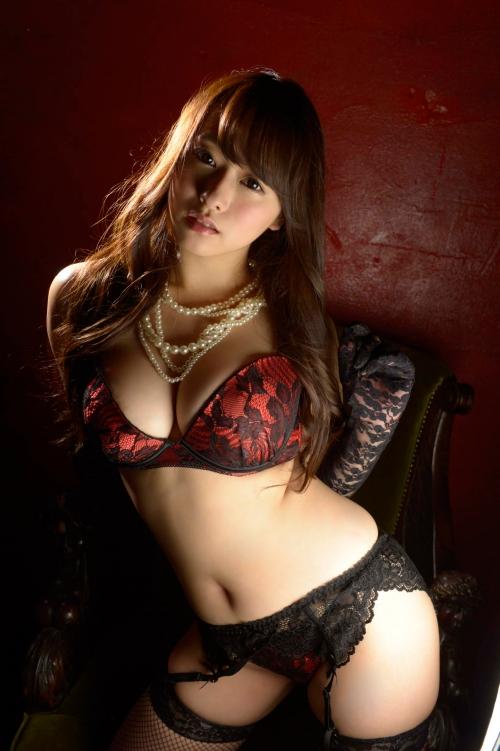 白石茉莉奈 Gカップ 人妻 AV女優 42