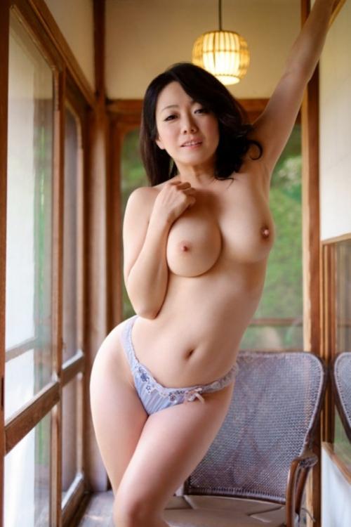 乳首 巨乳 03