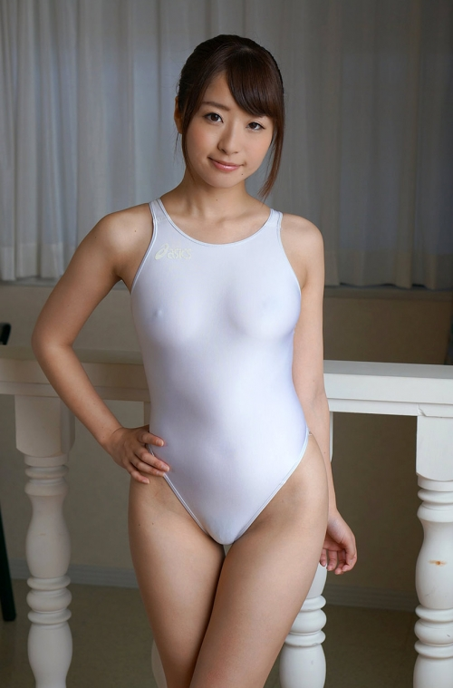 初美沙希 Eカップ AV女優 濡れ透け競泳水着 01