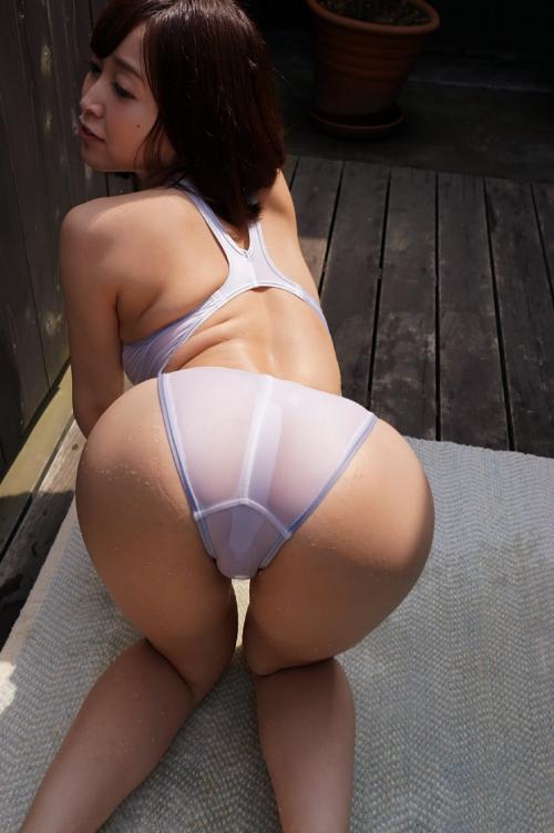 篠田ゆう Eカップ AV女優 エロ尻 14