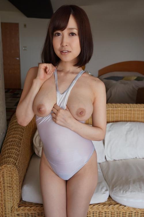 篠田ゆう Eカップ AV女優 エロ尻 25