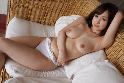篠田ゆう Eカップ AV女優 エロ尻 27