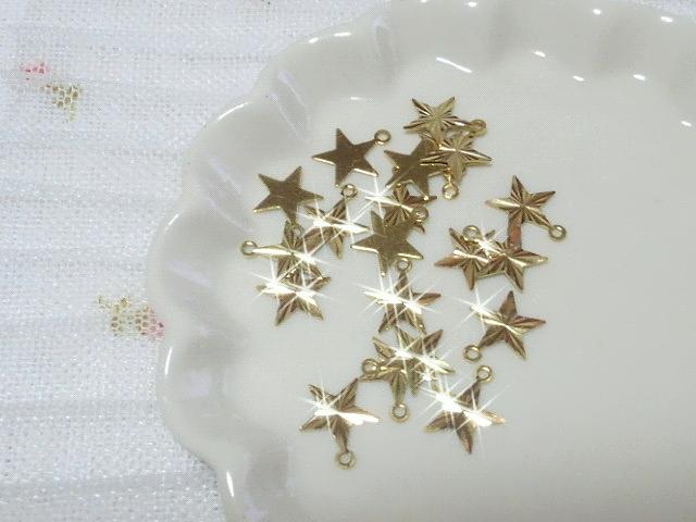 ブラスチャームカット星