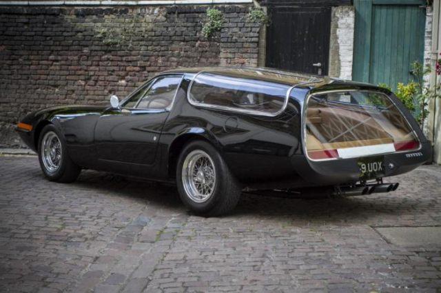 フェラーリ365GTB/4シューティングブレーク