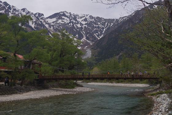 150518上高地河童橋下流から