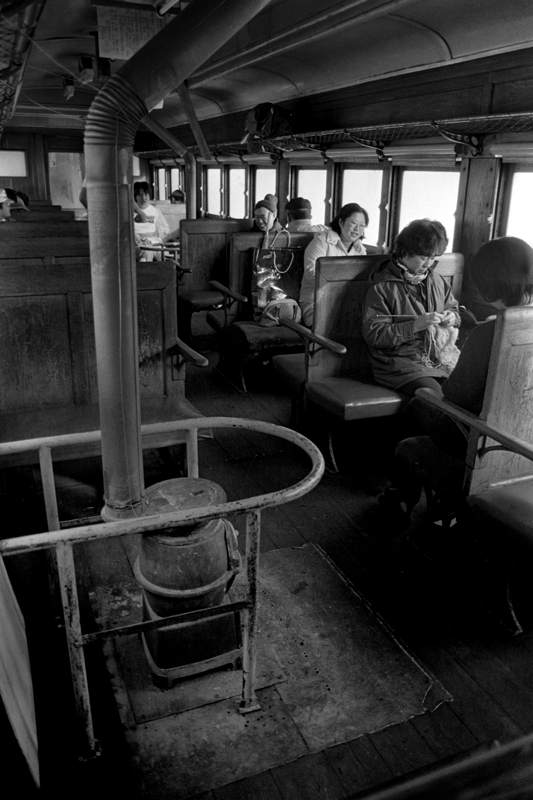 津軽鉄道 ストーブ列車車内1 198年2月 16bitAdobeRGB 原版 take1b2