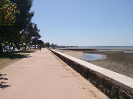 海岸の遊歩道1