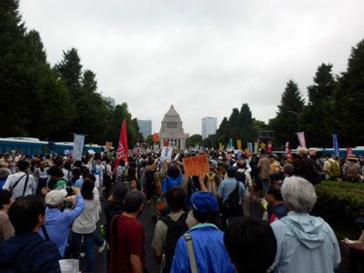 国会前デモ