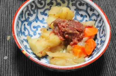 コンビーフ肉じゃが 小鉢