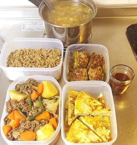 常備菜 肉じゃが、ピーマン肉詰め、スパニッシュオムレツ、けんちん汁、ハンバーグの種.JPG
